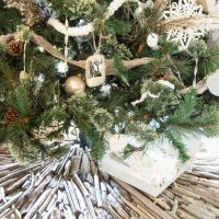 Coastal Christmas driftwood tree skirt!