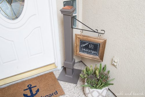 A prettier way to say Welcome or No Soliciting for sure! Good for the scrap wood pile too! How to make a chalkboard welcome sign post