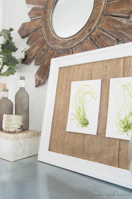 Give some interest to a simple frame by adding this easy and quick burlap frame mat! www.tableandhearth.com